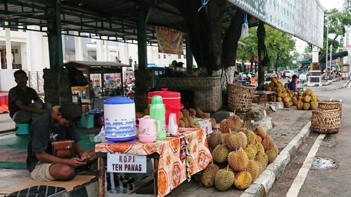 Musim Durian di Pemalang, Ada Saja Alasan Pembeli Agar Dapat Harga yang Murah