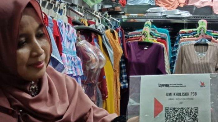 Inovatif, Pasar Batang Kini Bisa Layani Pembayaran Digital