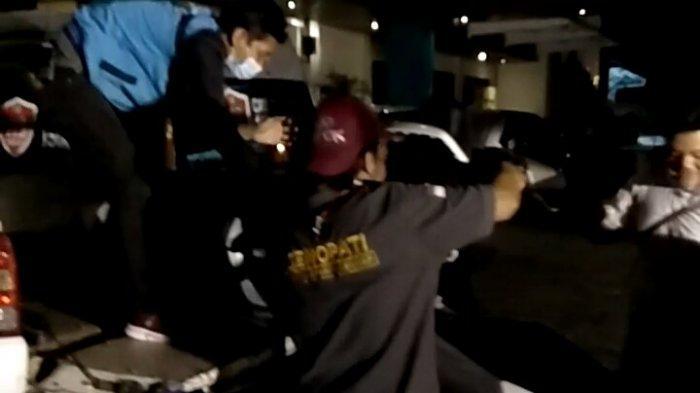 BREAKING NEWS: Kecelakaan di Gajahmungkur Semarang, Pemotor Tabrak Bus, Begini Kondisinya