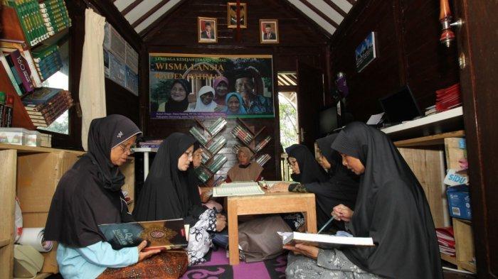 Mengintip Aktivitas Ramadan di Ponpes Lansia Banyubiru Kabupaten Semarang