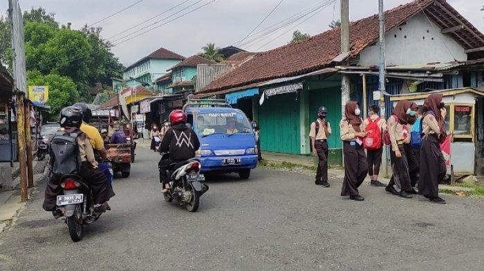 PTM Seluruh SD dan SMP di Banjarnegara, Sepulang Sekolah Setiap Kelas Disemprot Disinfektan