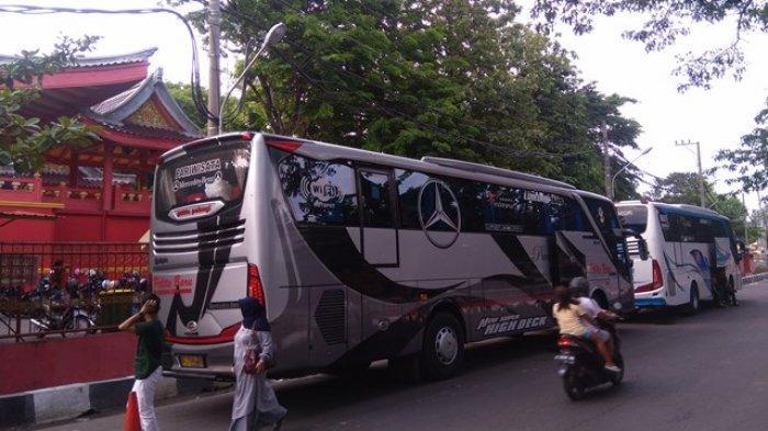 Parkir Pinggir Jalan di Daerah Sam Poo Kong Semarang, Yadi Keluhkan Ditarik Rp 70 Ribu Tanpa Karcis