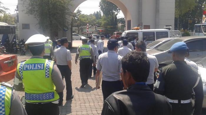 Dua Tukang Parkir Liar Diamankan Tim Saber Pungli Polrestabes Semarang