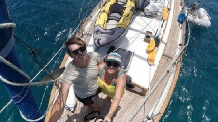 Pasangan Ini Asyik Berlayar Keliling Dunia Sampai Tak Tahu Dunia Diguncang Virus Corona