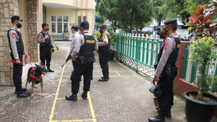 Polres Kebumen Cek Keamanan Gereja Jelang Natal: Siapkan Rompi Anti Peluru dan Metal Detector