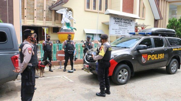 Anggota Polres Kebumen Sisir Gereja Libatkan Anjing Pelacak Spesialis Bahan Peledak