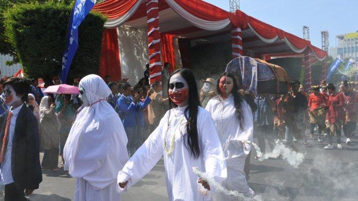 Kuntilanak Ikut Pawai Kebangsaan dan Budaya, Peringati Sumpah Pemuda di Semarang