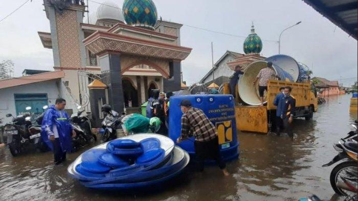 PDAM Bantu Korban Banjir, 15 Tandon Besar Dipasang