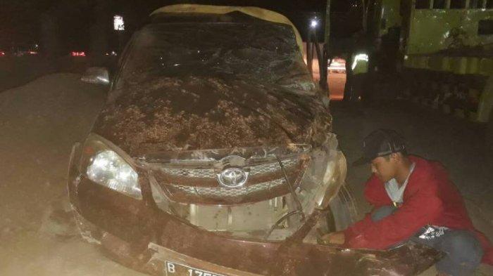 Pecah Ban, Mobil Avanza Tabrak Tebing di Tol Darurat Batang. Ini Kondisi Penumpangnya