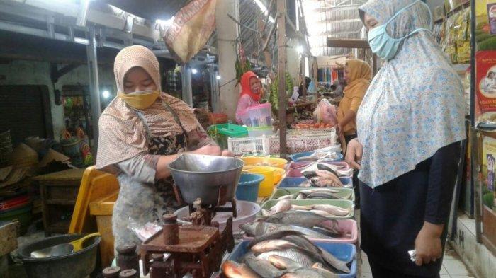 Harga Ikan di Pasar Trayeman Slawi Rata-rata Naik Rp 2 Ribu dari Harga Biasanya.