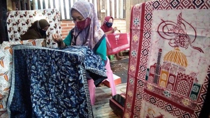 Ramadan, Permintaan Sajadah Motif Batik Meningkat 70 Persen
