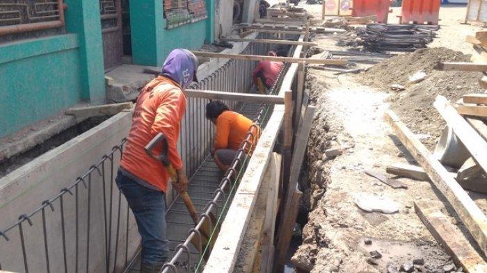 Hotline Semarang : Kenapa Beberapa Penutup Gorong-gorong di Jalan Sumbing Belum Dipasang