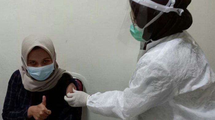 Suntik Vaksin Covid-19 Kedua Bagi Tenaga Medis di Puskesmas Slawi Targetkan 145 Orang