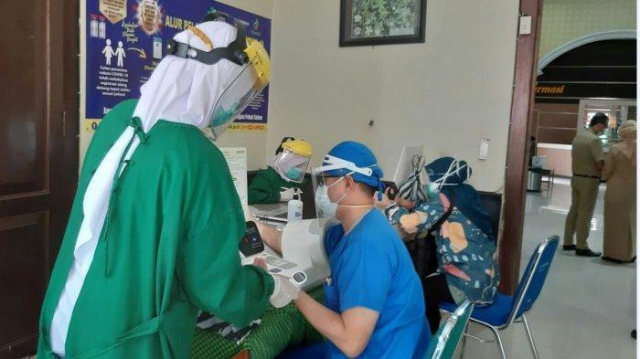 888 Nakes di RSUD dr Soeselo Slawi Ikut Vaksinasi , Guntur: Semuanya Harus Selesai Dalam  Empat Hari