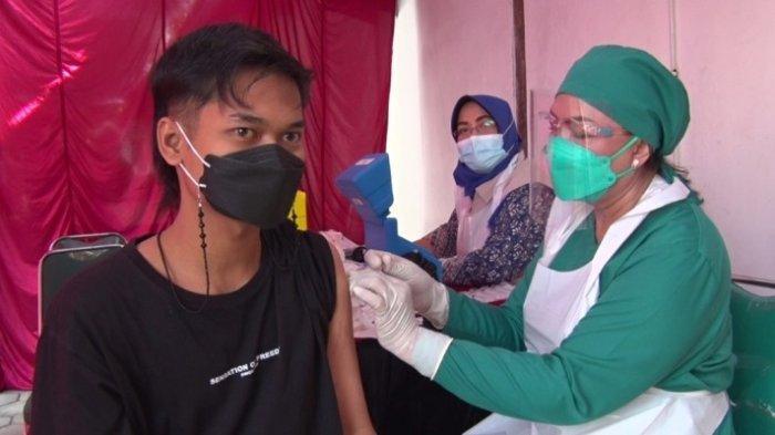 Panitia Vaksin di Bank Djoko Tingkir Bergaya ala Koboi, 600 Warga Sragen Terima Vaksin Dosis Pertama