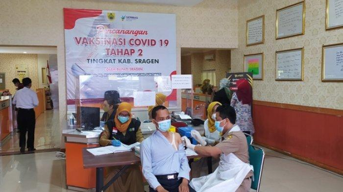 Inovasi Vaksin Mobile Mulai Digalakkan, Bupati Sragen Sebut Sragen Telah Jemput Bola di Balai Desa