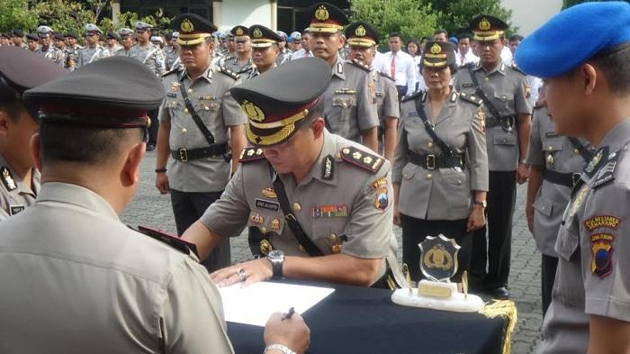 Kombes Pol Burhanudin Lantik Tiga Kepala Satuan di Polrestabes Semarang