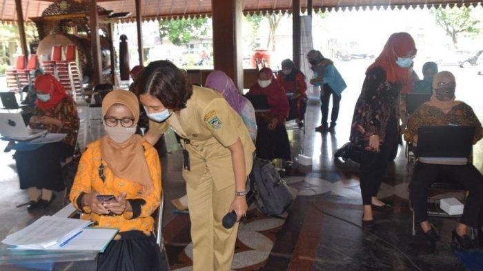 Kader PKK Banyumas Berlatih Teknologi Informasi, Kenalkan Aplikasi SIM PKK