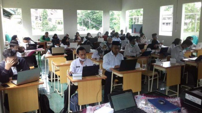Program Gerakan Pandai, Tim Trainer Bebras UIN Walisongo Mulai Berikan Pelatihan Pada Guru Madrasah