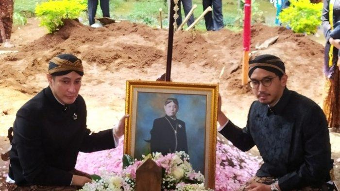 Kenangan Paundra Bareng Sang Ayah, Almarhum Mangkunegara IX: Humoris
