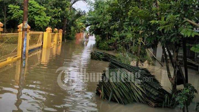 Pemalang Banjir Lagi, Kedalaman Variatif Sampai Sepinggang Orang Dewasa