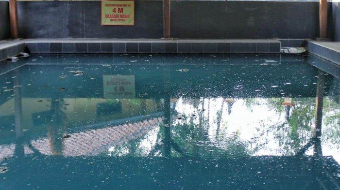 Pemandian Air Panas Kalibacin di Banyumas.