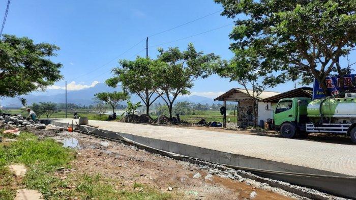 Banyak Lubang dan Rusak Parah, Jalan Pucang-Jenggawur Banjarnegara Akhirnya Dibangun Kotak Masuk