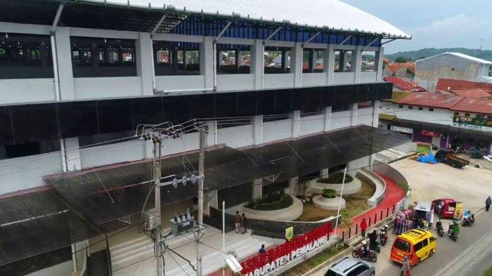 Bangunan Pasar Randudongkal yang akan dioperasionalkan awal April mendatang.