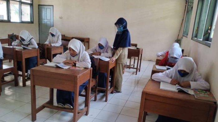 Islustrasi. Pembelajaran tatap muka di SMP Negeri 4 Bawang.
