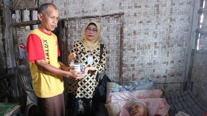 Rantang Berkah di Purbalingga, Lansia Sebatang Kara Dapat Kiriman Makanan Bergizi