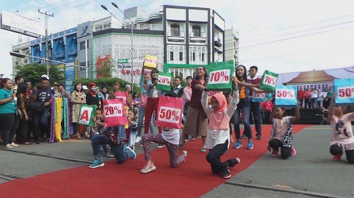 Ganjar Ajak Masyarakat Jateng Belanja di Solo, Mumpung Ada Diskonan!