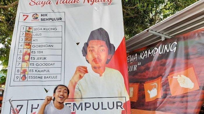 Angkringan di Gemolong Sragen Ini Viral karena Baliho yang Nyleneh, Pemilik Kaget Respon Masyarakat