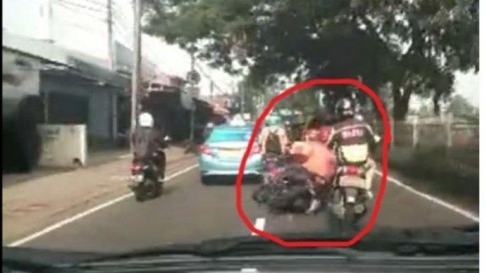 Viral Pemotor Jatuh Tersenggol Taksi Malah Ngaku Ditabrak Ambulans