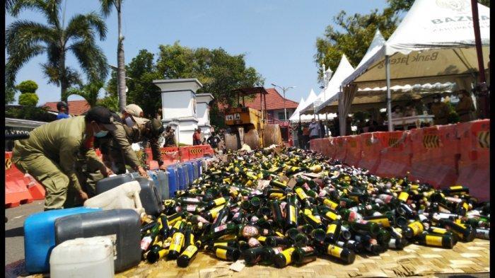 Sambut Ramadhan, Pemkab Kendal Musnahkan 9.116 Botol Miras dan 2.756 liter Minuman Opolosan