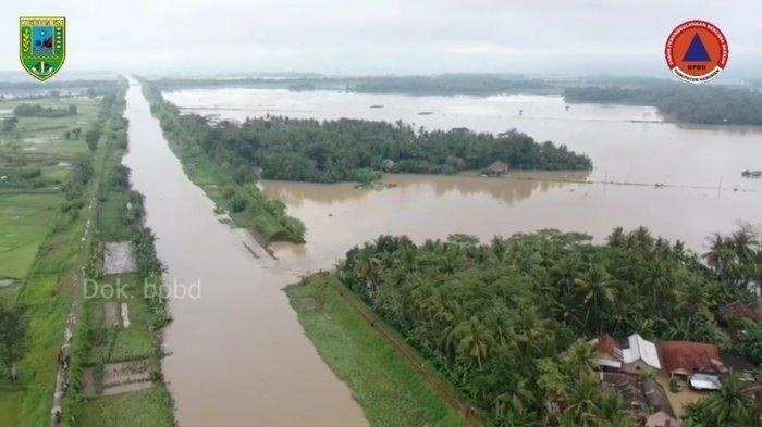 Perbaikan Tanggul Sungai Telomoyo Kebumen Terkendala Medan, di Madurejo Pemandangannya Lebih Seram