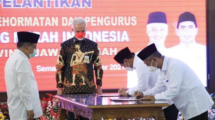 Dewan Kehormatan dan Pengurus PMI Jateng Dilantik, Ganjar: Pengalaman Sudah Top