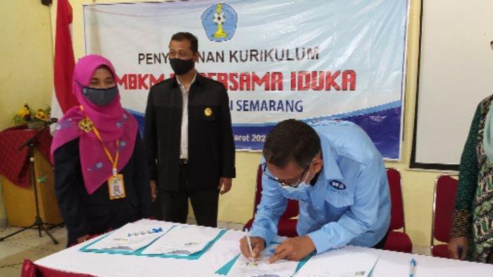 Persiapan Program Sarjana Terapan, AKS Ibu Kartini Semarang Jalin Kerjasama dengan Dunia Kerja