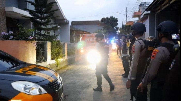 Densus Tangkap 6 Terduga Teroris Asal Jawa Tengah