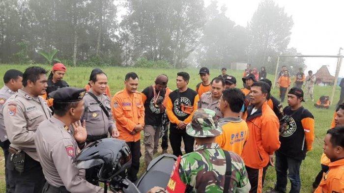 100 Orang Masih Cari Mbah Gimin di Alas Sendang Tawangmangu Karanganyar, Hujan Deras Jadi Kendala