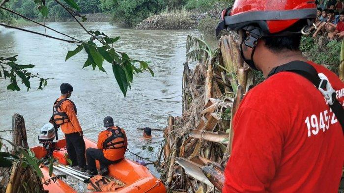 Warga Paesan Pekalongan Dikabarkan Tenggelam di Sungai Sengkarang
