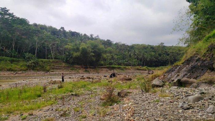 Pencari Rumput Temukan Granat Aktif di Tepi Sungai Serayu Banjarnegara