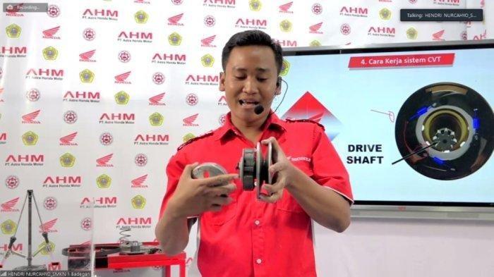 Guru SMK Hendri Nurcahyo Terpilih sebagai Pengajar Terbaik dalam Mengajar Online Versi AHM