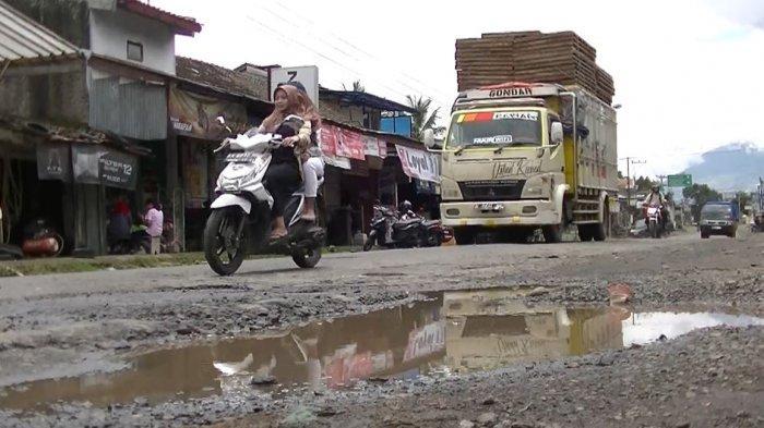 6 Kilometer Jalan Provinsi Penghubung Temanggung-Kendal Rusak Parah, Korban Berjatuhan