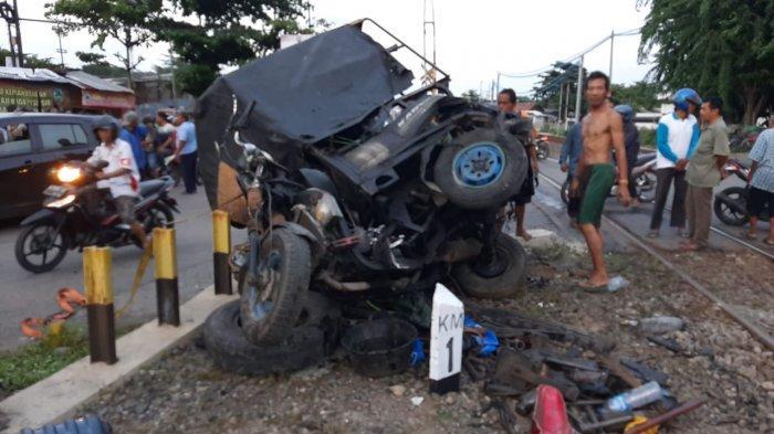 Pemotor Mabuk Kecelakaan Tertabrak Kereta Api di Semarang, Sudah Diperingatkan Malah Blayer-blayer