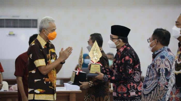 Selamat, Perencanaan Pembangunan Banyumas Raih Penghargaan Pangripta Abipraya dari Gubernur