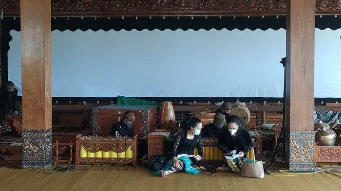 Keluarga Ki Manteb Soedharsono Tahlilan, Sajikan Langgam Ciptaan Dalang Kondang