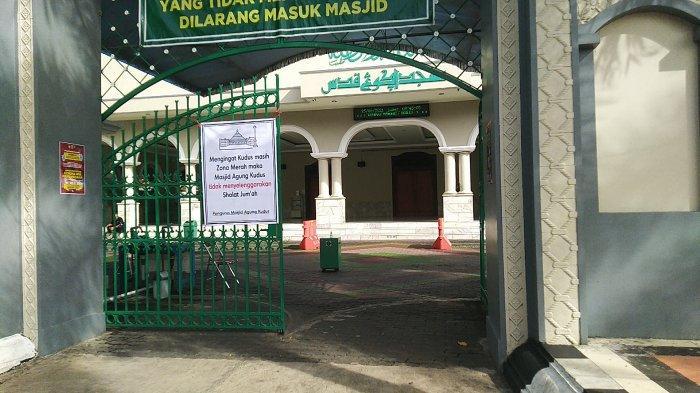 Masjid Agung Kudus Masih Belum Selenggarakan Salat Jumat