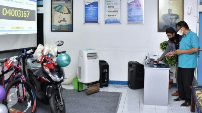 Perumda Tirta Ayu Bagikan Dua Unit Sepeda Motor dan 500 Paket Sembako.