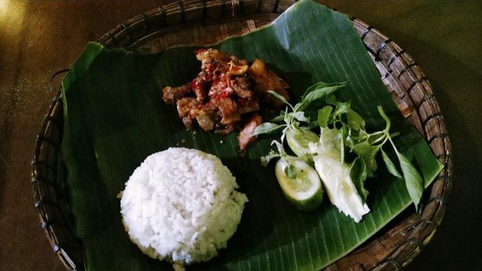 Pecak Kalkun, Hidangan Lezat Berbuka Puasa di Undaan Kudus, Sambalnya Beda