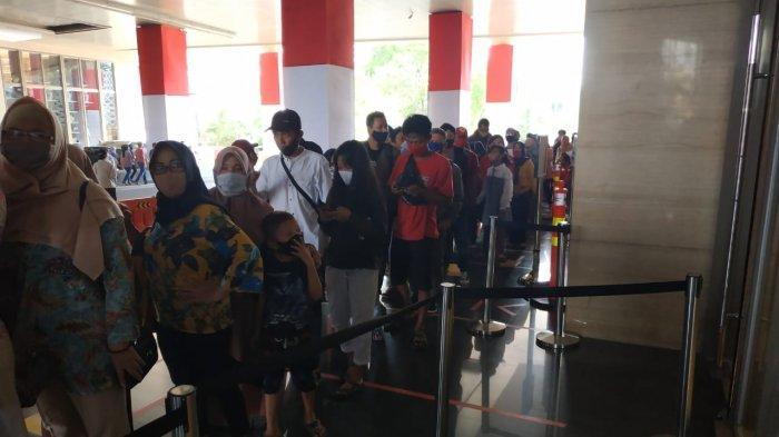Pengunjung Tentrem Mall Semarang Membeludak, Satpol PP Meluncur Ingatkan Jaga Jarak